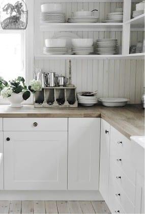 סינר עץ במטבח