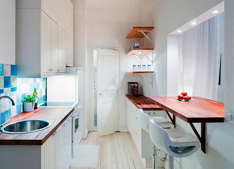 Bar tæller i køkkenet kombineret med gangen