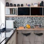 Kötény fekete-fehér csempe mozaik