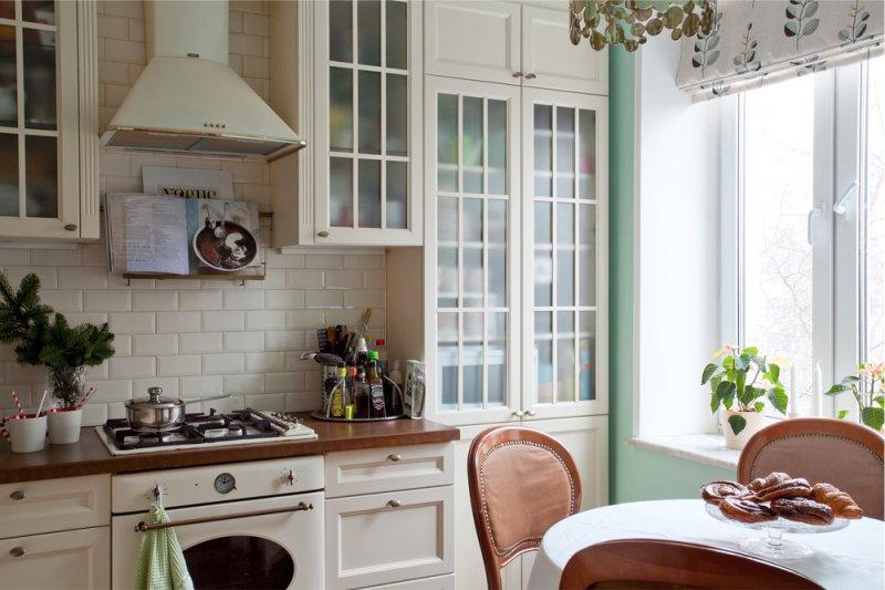מטבח פנימי 9 מרובע. מ בצבעים בהירים
