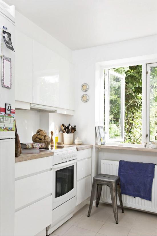 Küçük beyaz mutfak