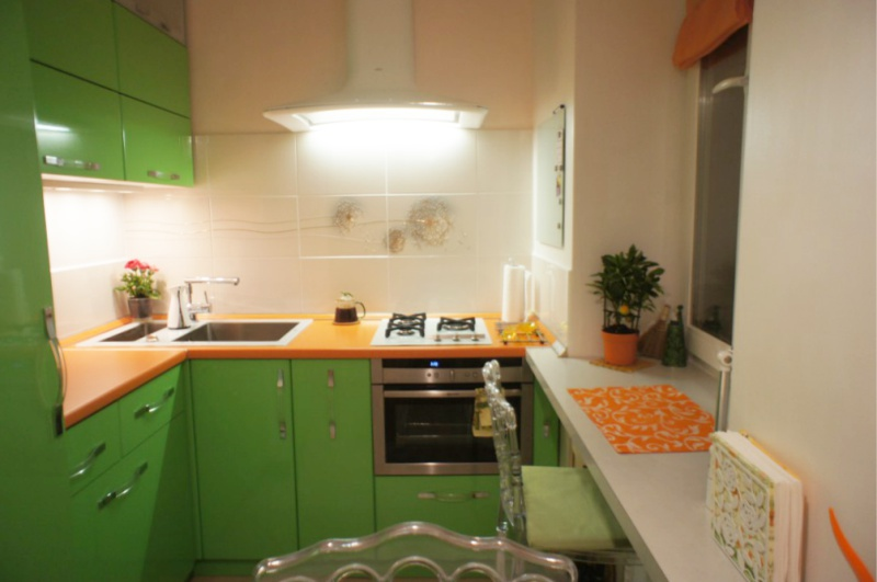 Plan de travail en aggloméré orange