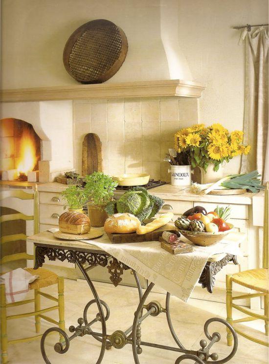 Table basse forgée à la provençale