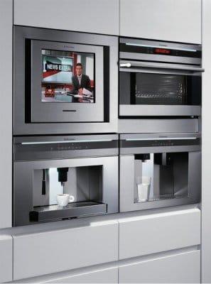 beépített TV a konyhában