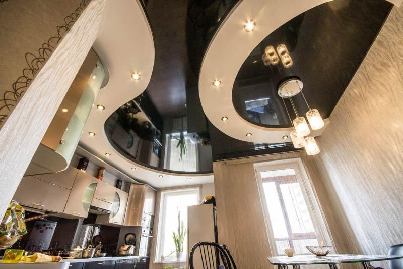 Plâtre et plafond tendu
