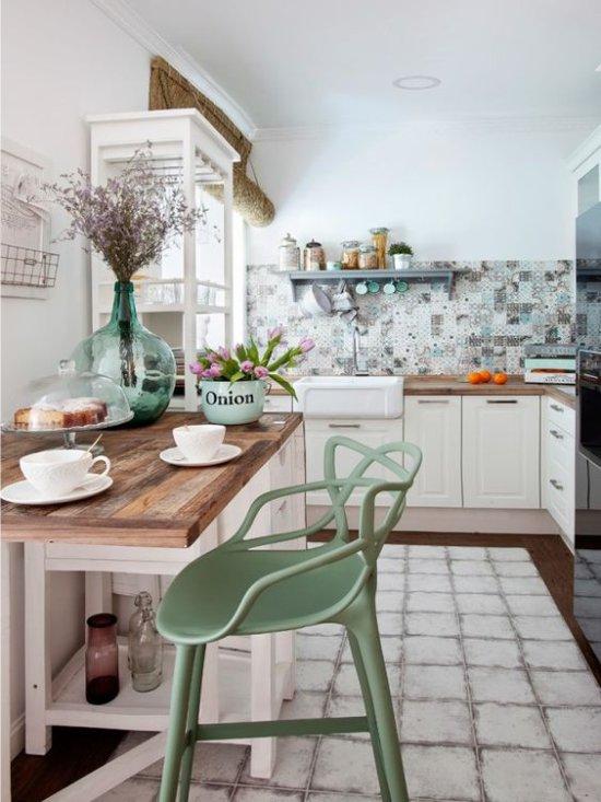 Dapur dalam warna semula jadi