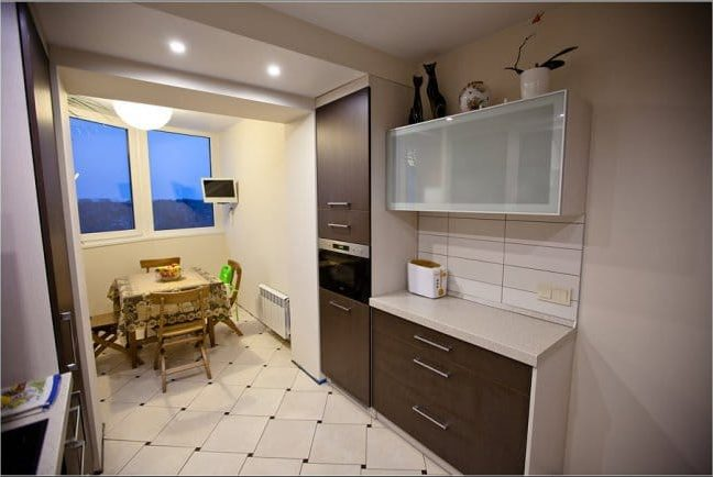Az erkély konyhával kombinálva - kilátással a konyhára 2