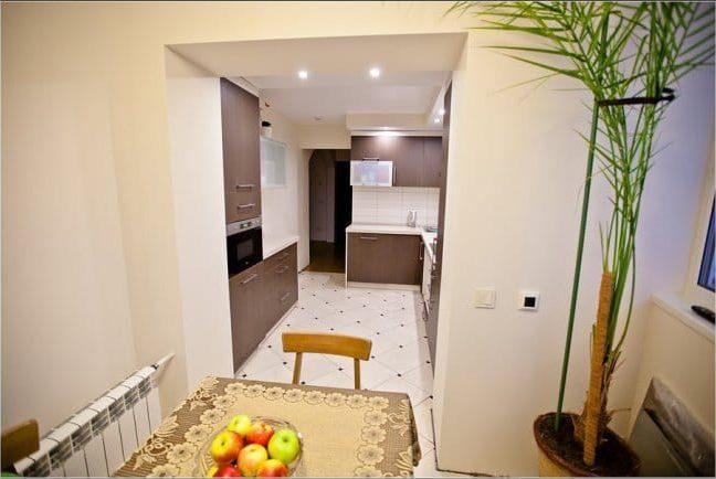 Az erkély konyhával kombinálva - kilátással a konyhára a loggiából