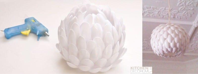 La lampe de cuillères à usage unique en forme de lotus