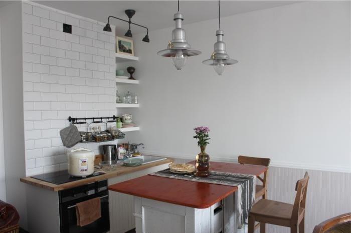 מטבח-סלון עם אי