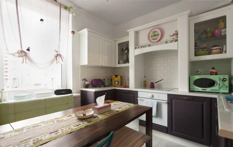 לונדון (אנגלית) וילונות בפנים המטבח