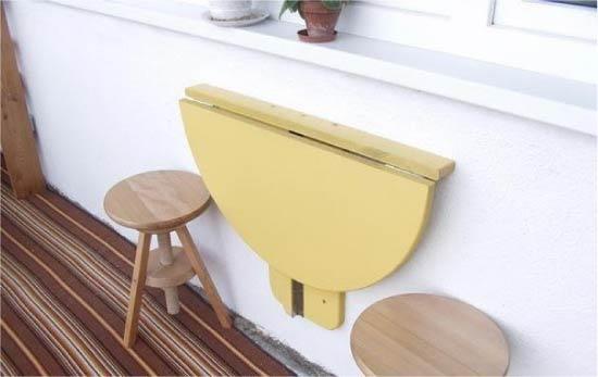 שולחן מתקפל לאדן החלון