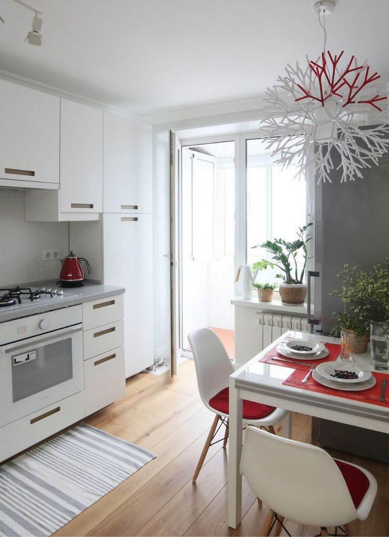 Dapur putih dengan kerja kelabu