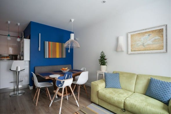 Sconce v interiéru kuchyně-obývací pokoj