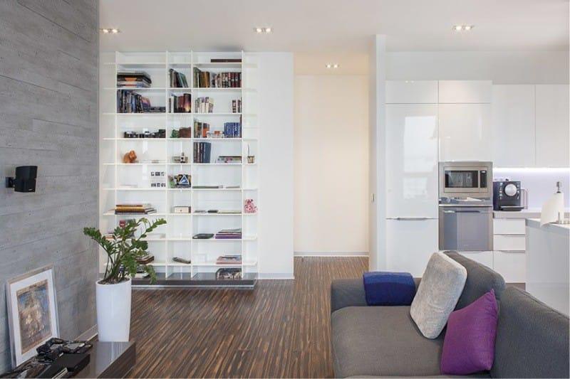 Podlaha v interiéru kuchyně ve stylu minimalismu - parketová deska