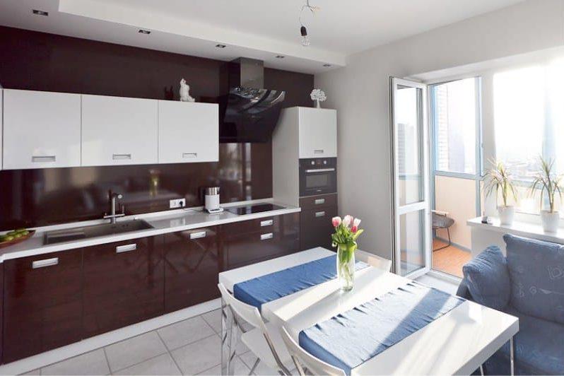 Podlaha v interiéru kuchyně ve stylu minimalismu - dlažba