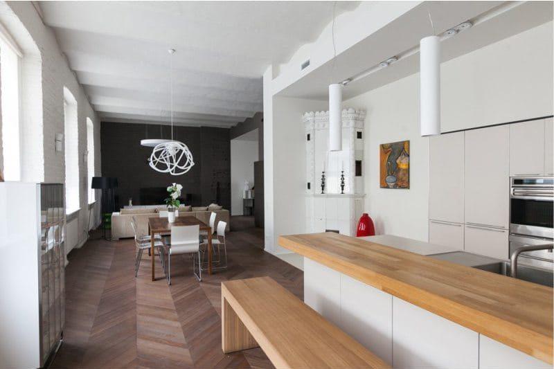 Podlaha v interiéru kuchyně ve stylu minimalismu - parketová rybí kost