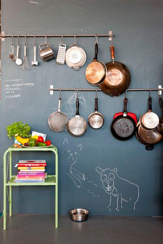 Laatan seinä keittiössä