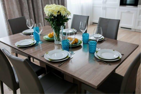 שולחן מטבח מלבני ל -6 אנשים