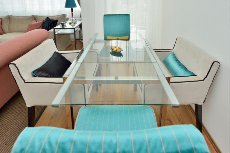 שולחן אוכל מזכוכית