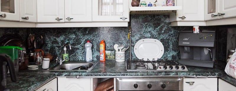 Kis konyha mosogató
