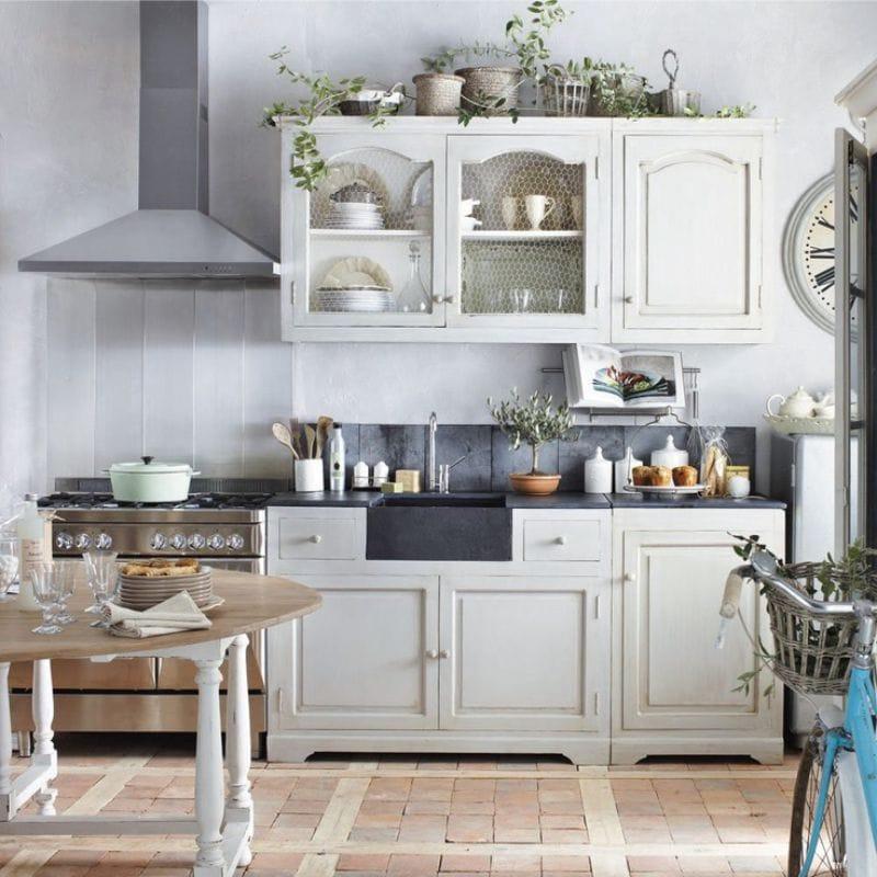 טיח דקורטיבי לבטון בפנים המטבח