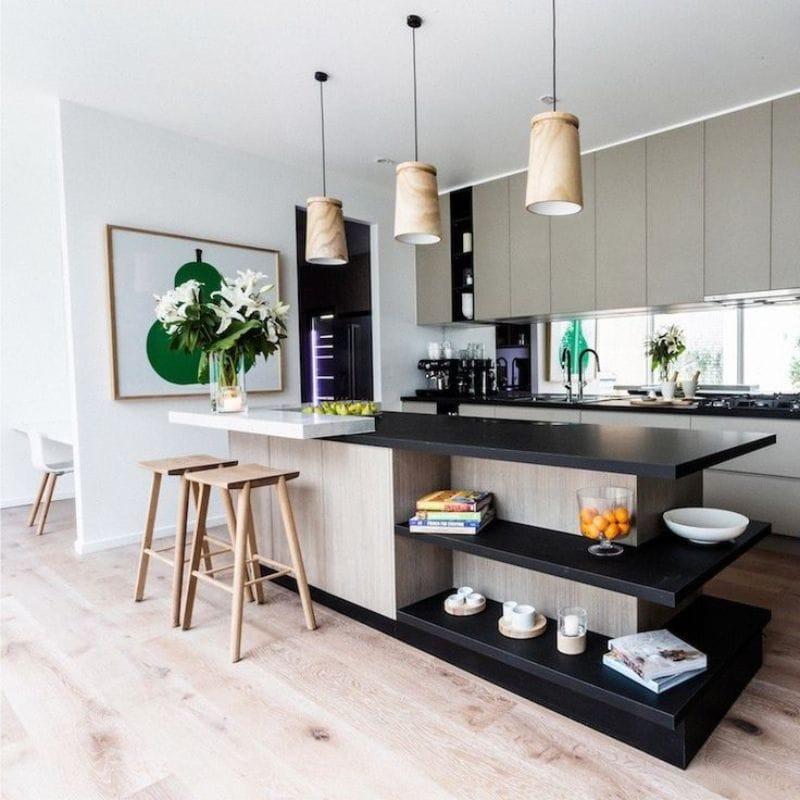 Musta ja beige väri keittiön sisätiloissa