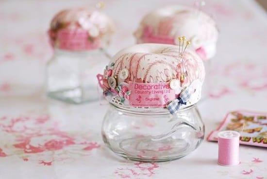 Rózsaszín baba étel tű ágy