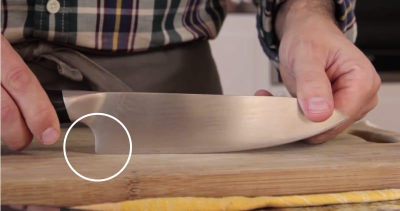 Couteau à talon ouvert