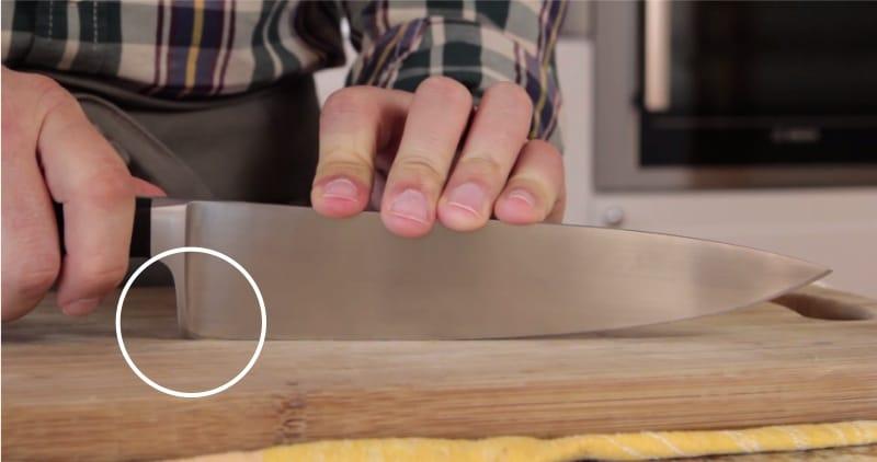 Couteau fermé de talon de traversin