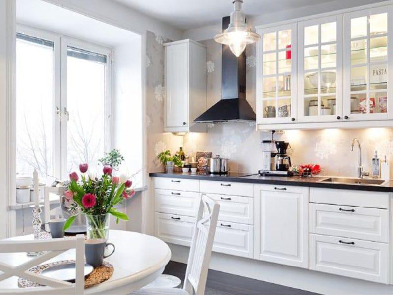 טפט אפור בפנים המטבח