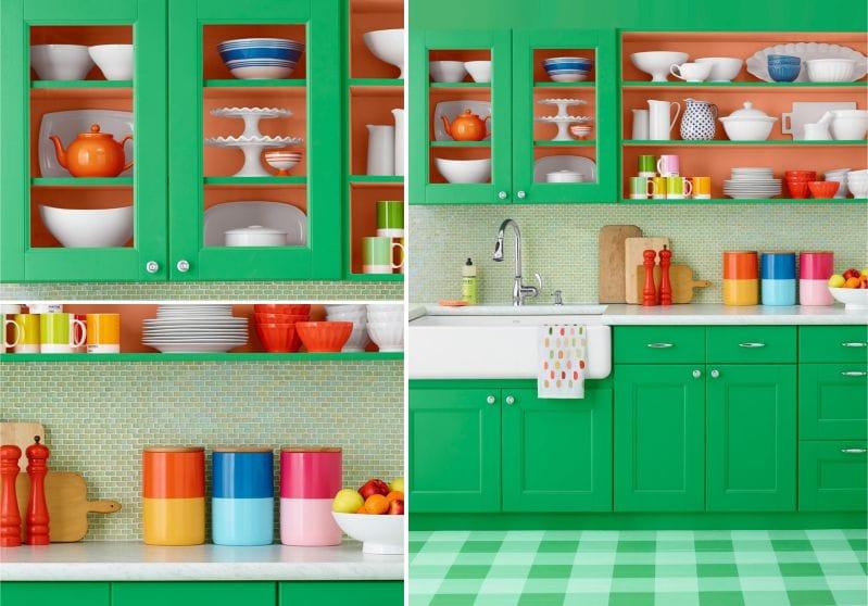 Zöld konyha narancssárga díszítéssel