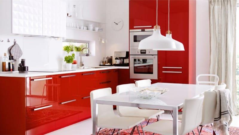 Piros konyha belső