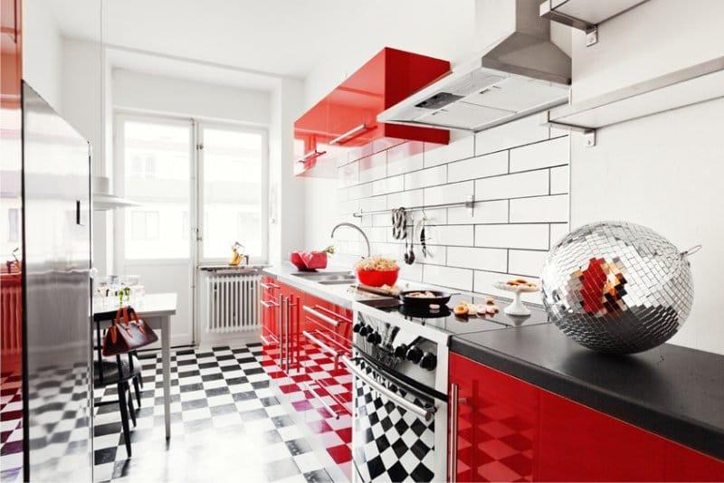 Piros konyha pop-art stílusban