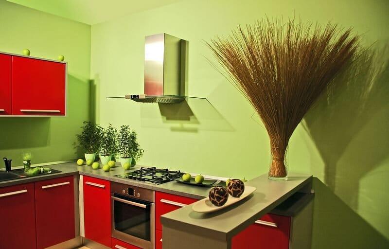 Piros és zöld konyha
