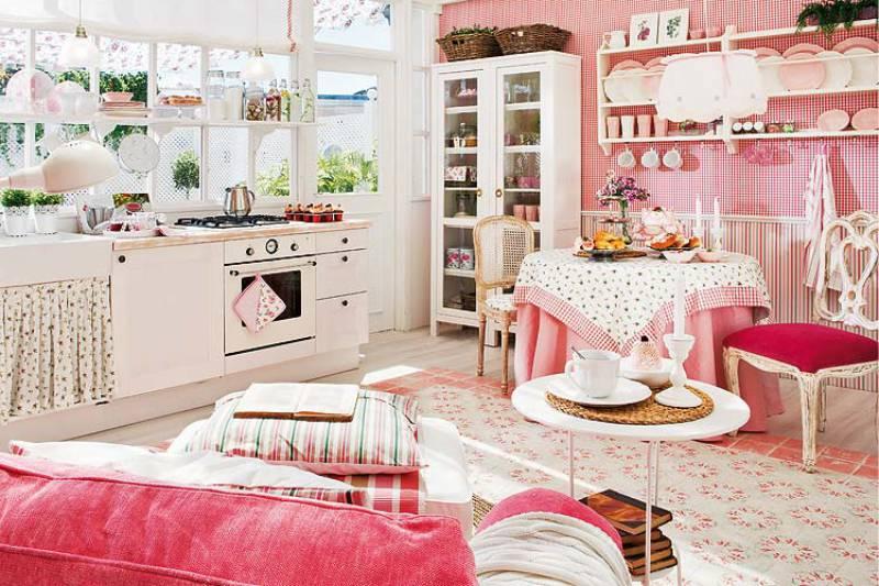 Fehér és rózsaszín vidéki stílusú konyha