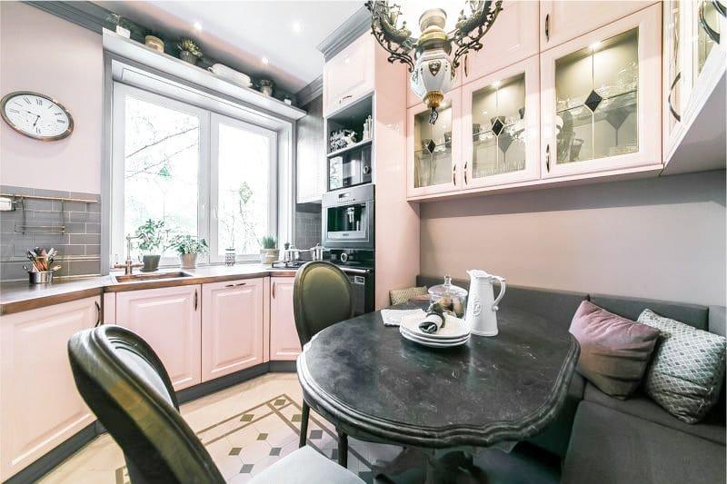 Világos rózsaszín Provence-i konyha