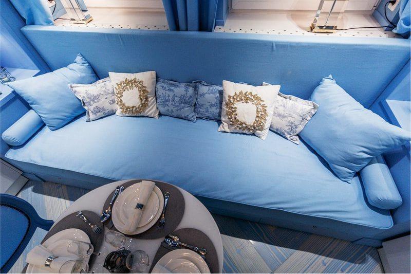 Fehér és kék konyha