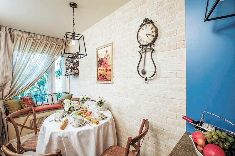 Imitation de briques dans la cuisine de style espagnol