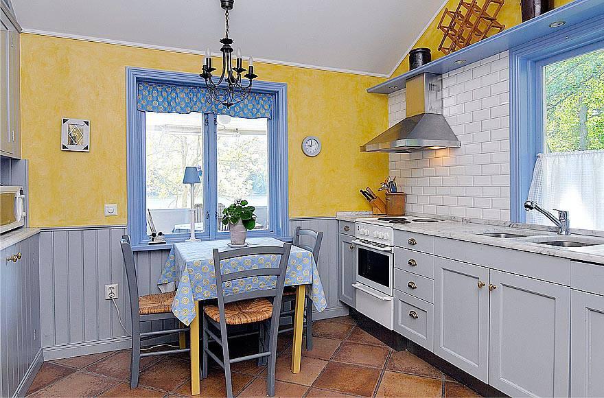 Görög-stílusú konyha sárga és kék színben