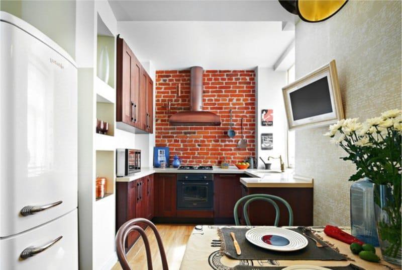 Décoration murale à l'intérieur de la cuisine dans le style loft