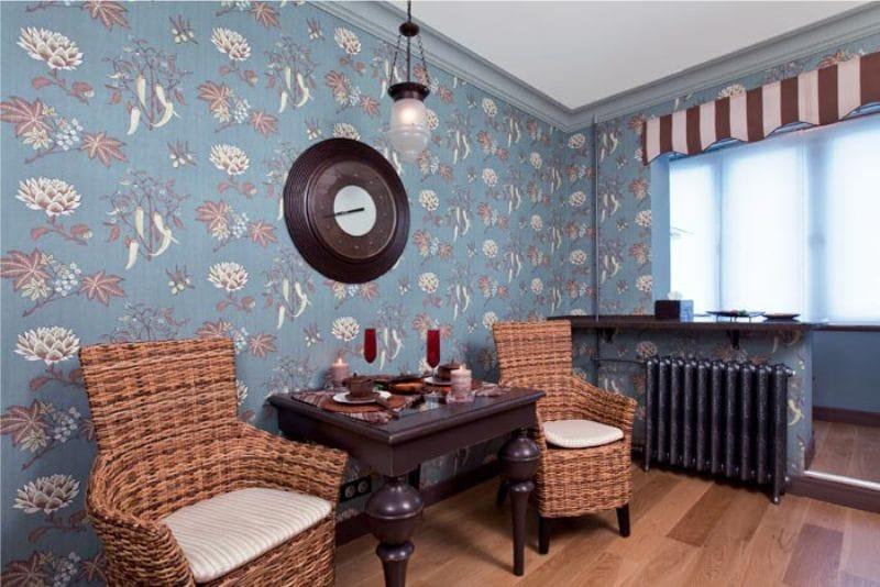 וילון-מרקיז בפנים המטבח בסגנון של בית קפה