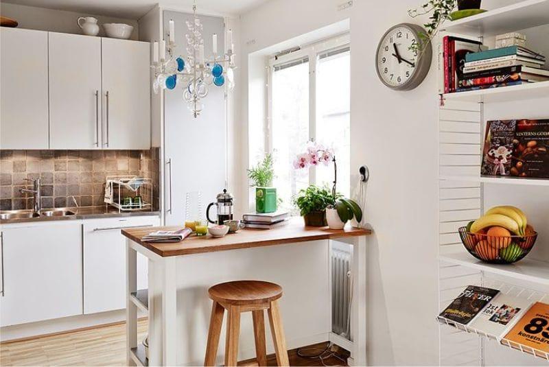 Bucătărie șifonată din plăci de culoare brună