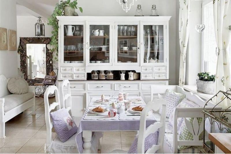 Tekstil dapur warna ungu