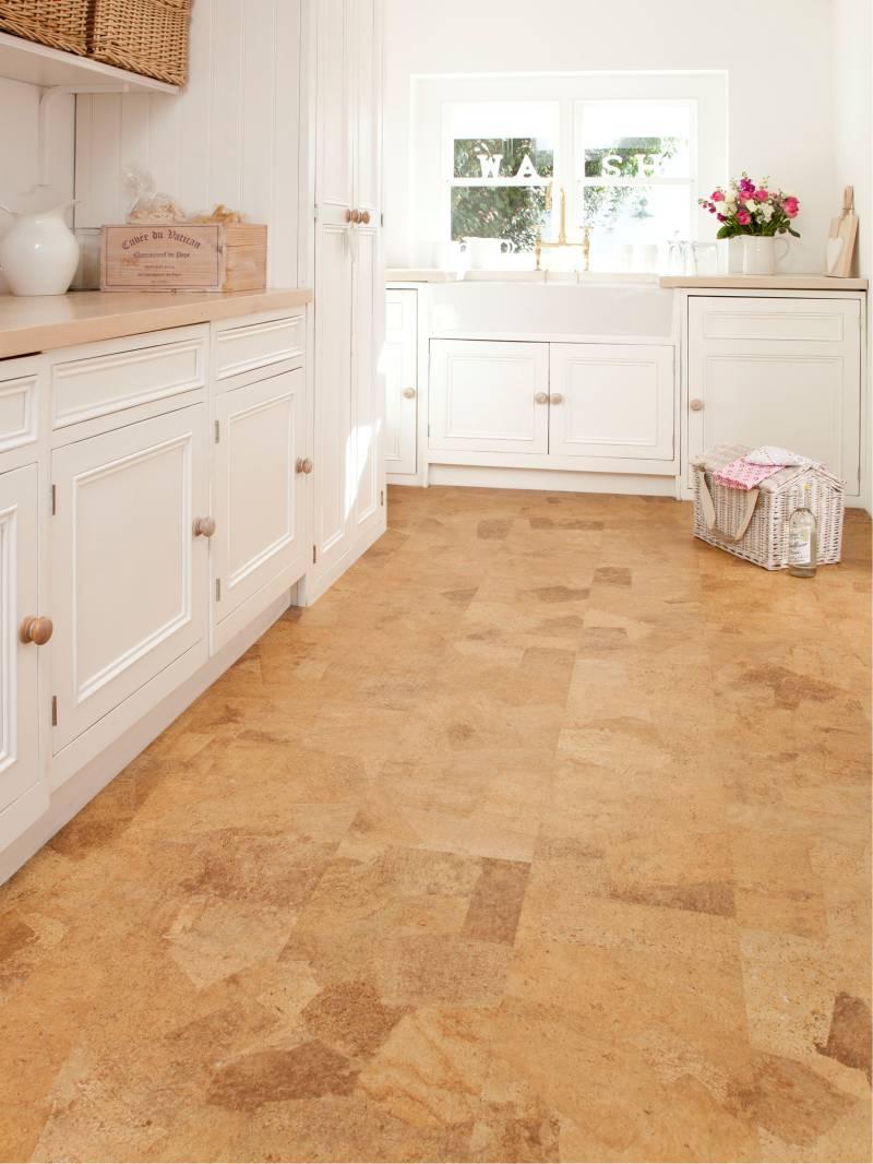 רצפת הפקק הפנימי של המטבח בסגנון של המדינה