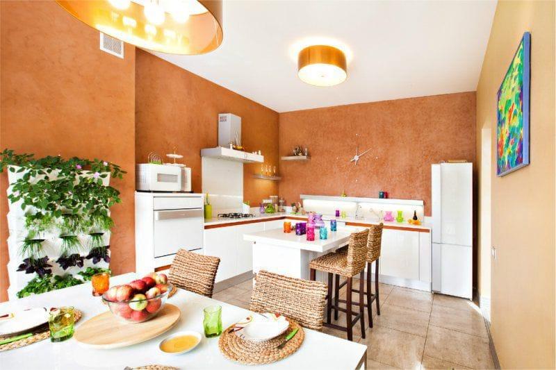 Teracotă și nuanțe maro în interiorul bucătăriei