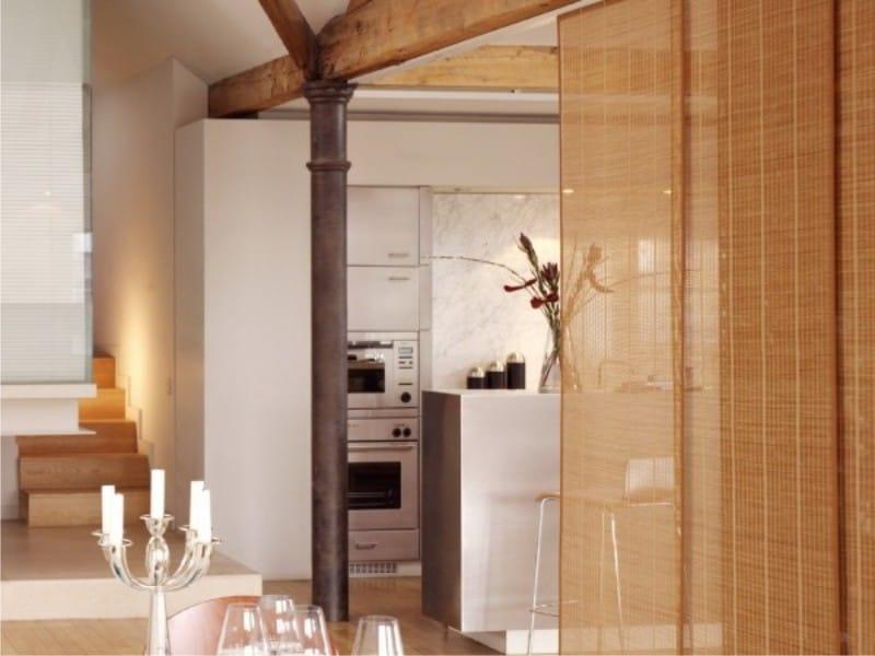 Panneaux de bambou à l'intérieur de la cuisine