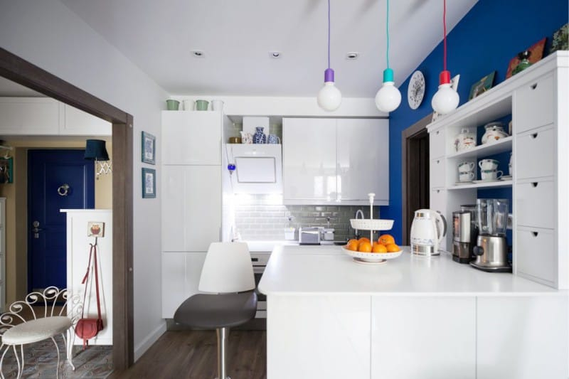 Gjel à l'intérieur de la cuisine dans le style scandinave