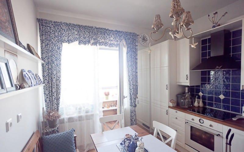 L'intérieur d'une petite cuisine dans le style de Gjel
