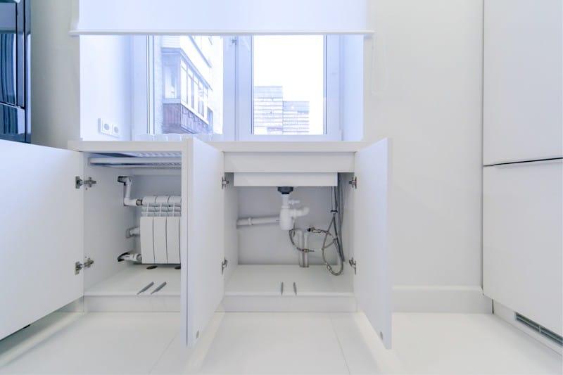 Husholdningsapparater mini-format i køkkenets indre 8 kvadratmeter. m